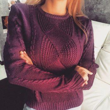 pulover-spitami-krasivim-uzorom-foto
