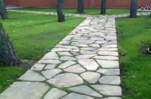 Для создания уникальных дорожных плиток можно использовать бетон.