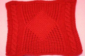 pulover-spitami-krasivim-uzorom-foto1